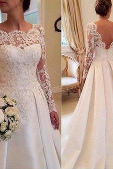 Natürliche Taile Gericht Schleppe Satin Lange Ärmeln Brautkleid mit Bordüre