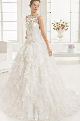 Dom Extravagantes Stilvolles Brautkleid mit Sweep Zug mit Mehrschichtigen Rüsche