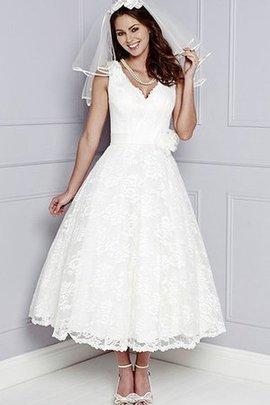 A-Linie V-Ausschnitt Wadenlanges Brautkleid mit Blume mit Applike