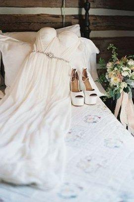 Sweep Train Extravagantes Schick Brautkleid mit Kurzen Ärmeln mit Gürtel