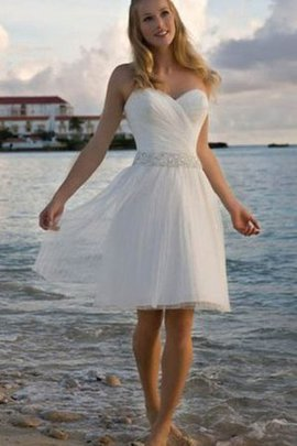 Perlenbesetztes Knielanges Romantisches Brautkleid mit Falte Mieder mit Kreuz