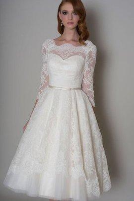 Spitze Bateau Elegantes Brautkleid mit Applike mit Zickzack Ausschnitt