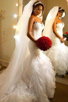 Sweep Train Romantisches Mini Brautkleid mit Kapelle Schleppe mit Rüschen