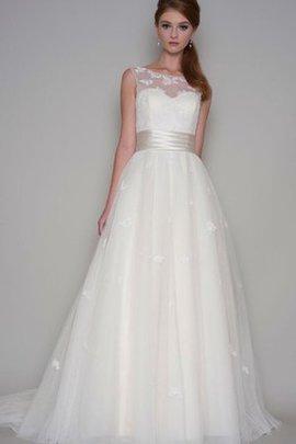A-Line Ärmelloses Natürliche Taile Brautkleid aus Tüll mit Gericht Schleppe