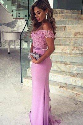 Luxus tiefer V-Ausschnitt Abendkleid mit Gürtel mit Bordüre