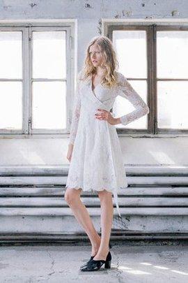 A-Linie V-Ausschnitt Knielanges Brautkleid mit Gürtel mit Kreuz