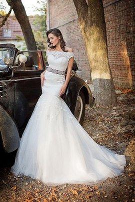 Zeitloses Kapelle Schleppe Normale Taille Konservatives Brautkleid mit Bordüre