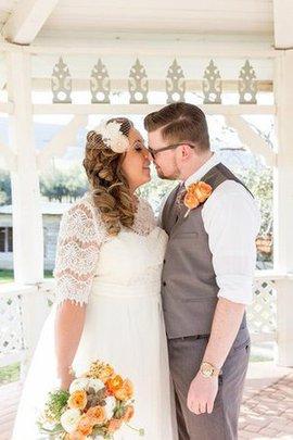 Bateau Prächtiges Kurzes Brautkleid mit Knöpfen mit Plissierungen