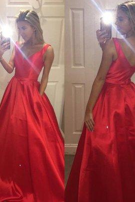 Satin Prinzessin V-Ausschnitt A-Line Abendkleid mit Sweep Zug