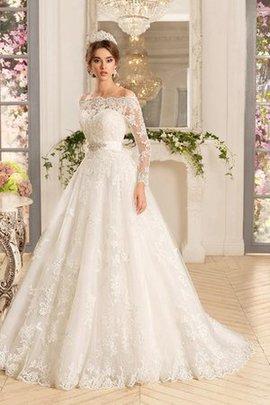 Klassisches Herz-Ausschnitt Anständiges Brautkleid mit Bordüre mit Knöpfen