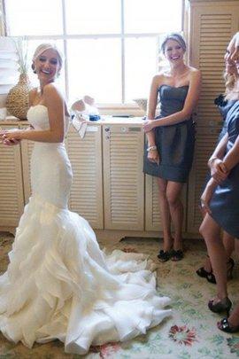 Herz-Ausschnitt Satin Ärmellos Brautkleid mit Rüschen mit Gericht Schleppe