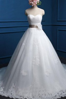 Spitze Herz-Ausschnitt Ärmelloses Brautkleid mit Bordüre mit Schleife
