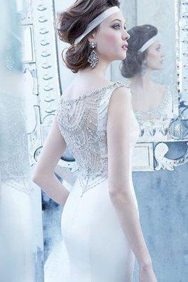 Enganliegendes Perlenbesetztes Ärmelloses Gesticktes Bodenlanges Brautkleid