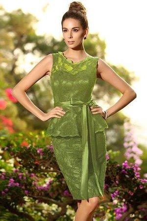 Schaufel-Ausschnitt Satin Normale Taille Ärmelloses Brautjungfernkleid mit Bordüre iISs9eph