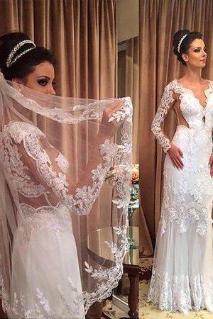Normale Taille Langärmeliges Sweep train Enganliegendes Brautkleid aus Tüll - Bild 1