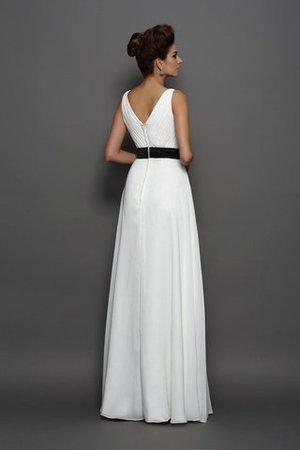 Prinzessin Ärmellos Anständiges Brautkleid mit V-Ausschnitt mit Reißverschluss cEtCf3Z